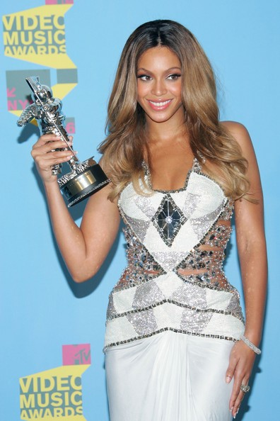 Beyonce+Knowles+2006+MTV+Video+Music+Awards+QsLPYQU1km3l