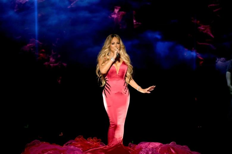 Mariah-Carey-2018-American-Music-Awards-Performance-Video
