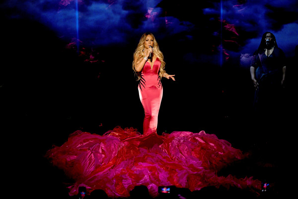 Mariah+Carey+2018+American+Music+Awards+Fixed+1BqYKelbowzl